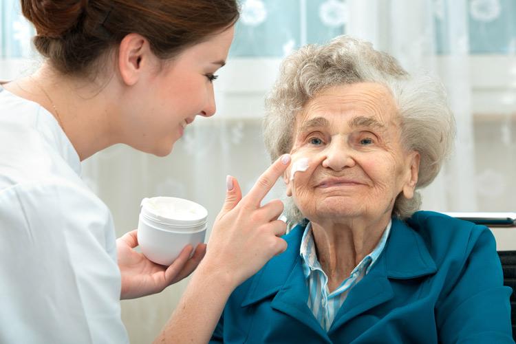 Unterstützung in der Körperpflege bei Pflegedienst Sanus
